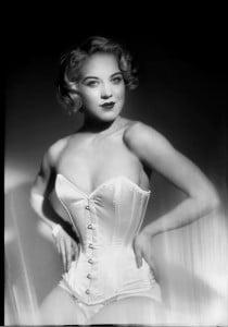 Fay Mensink Loren - Glamour Entertainment