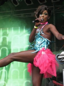 Hostess Nickie Nicole - Glamour entertainment