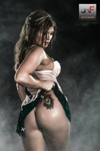 Femmy Striptease